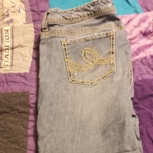 Seven7 Distressed Jeans